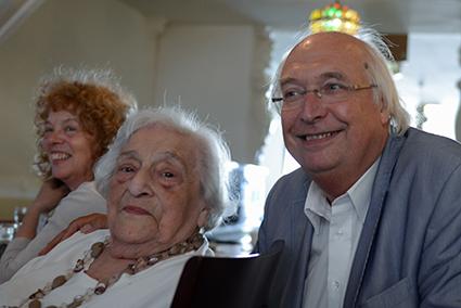 Mirjam en Lotty Huffener en Ad van Liempt